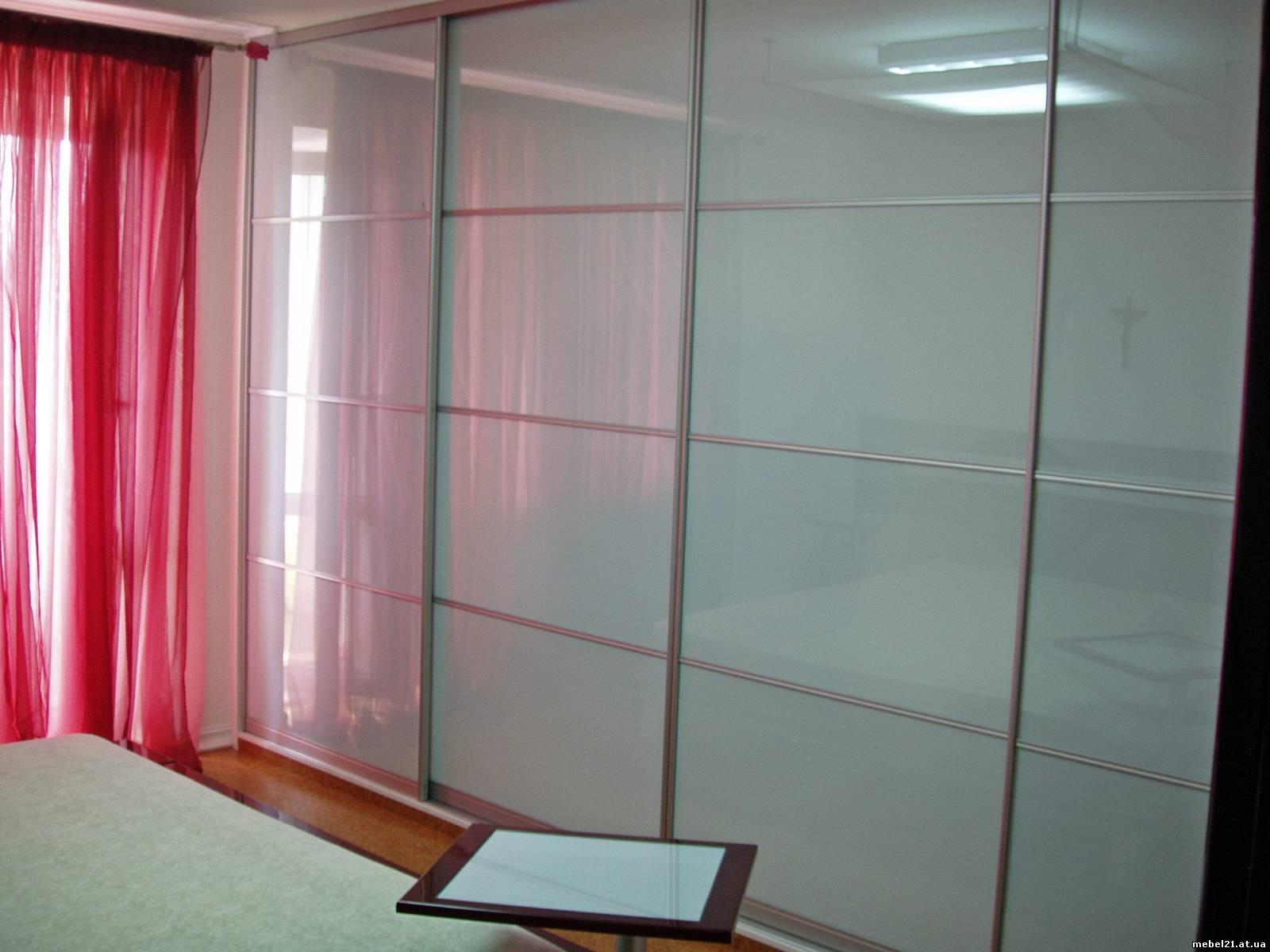 Мебель - кухни, шкафы купе: зеркальные двери для шкафов купе.